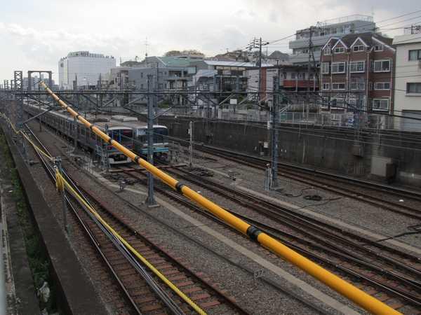 日吉駅横浜方の引上線。この場所が直通線のアプローチ部分になる。