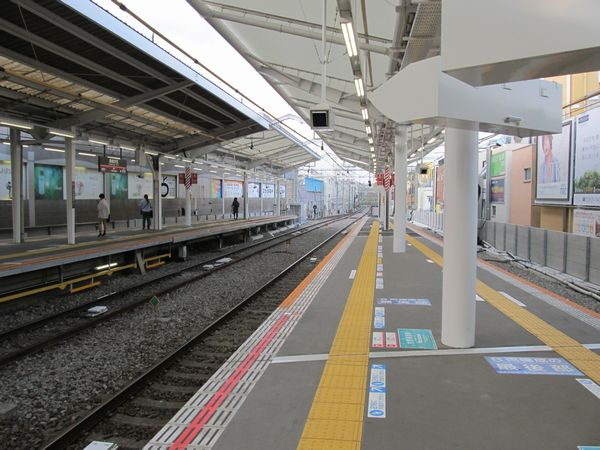 自由が丘駅渋谷方のホーム延伸部分。