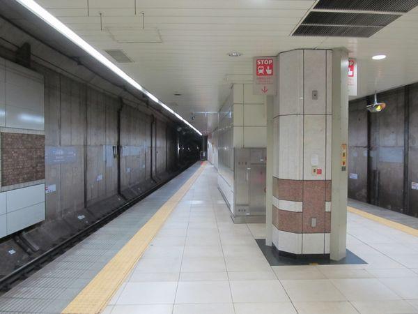 日本大通り駅のホーム延長部分。
