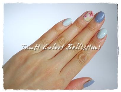 ブルーな桜ネイル