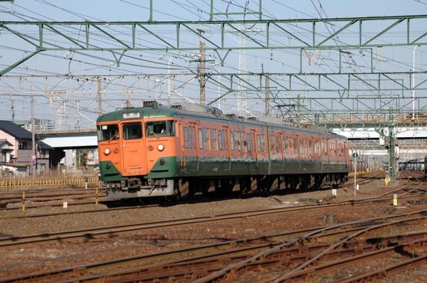西浜松を通過する113系電車C12編成(2007年3月17日)