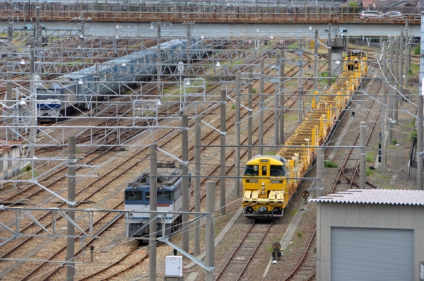 西浜松の2052レ、EF65 2090、ロンキヤ