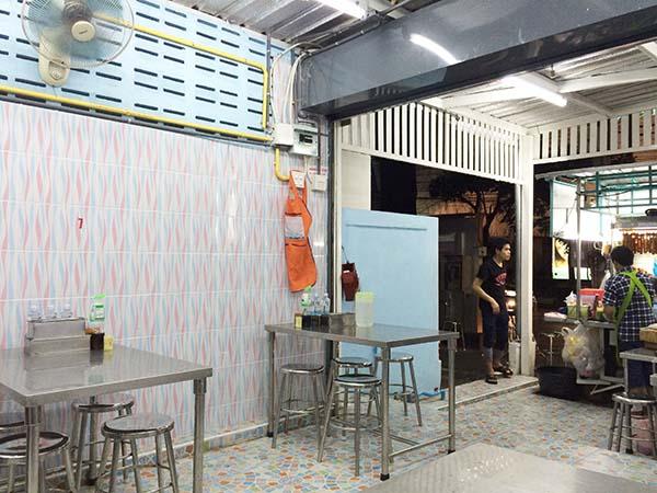 エカマイ麺食堂01