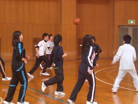 球技大会・バスケ3