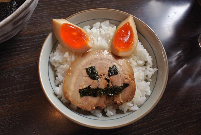 ら~めん厨房 つきまる@宇都宮市幕田町 Andy特製キャラ丼