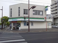 ファミマ佐賀駅北店