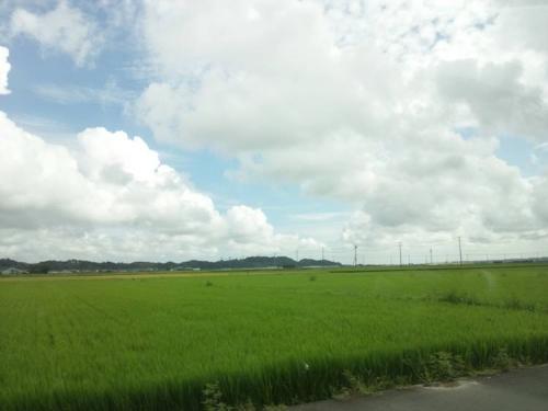 盆休みでドライブ日帰り旅行した静岡県周智郡森町の青空をデジカメショットしました