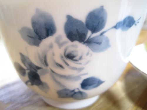 乃りたけの薔薇茶碗