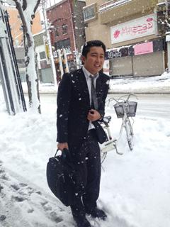 寒そうな福岡主任・・・