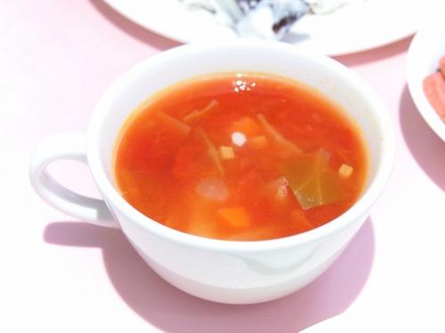 春キャベツとベーコンのトマトスープ@TAKANO