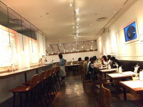 店内01@THE GUEST cafe&diner キキララカフェ