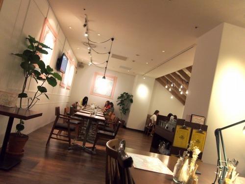 店内02@THE GUEST cafe&diner キキララカフェ
