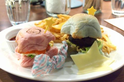 リトルツインスターズハンバーガープレート02@THE GUEST cafe&diner キキララカフェ