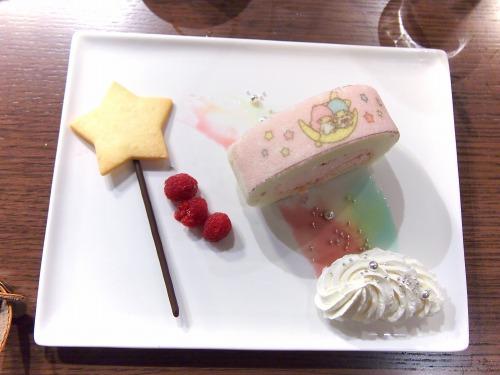 星のステッキから出てきた魔法のロールケーキ01@THE GUEST cafe&diner キキララカフェ