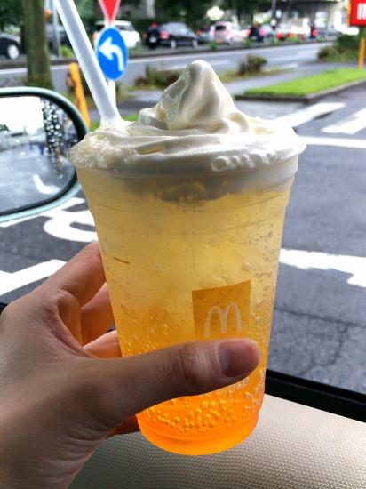 オランダマックフロート パッションオレンジ02@McDonalds