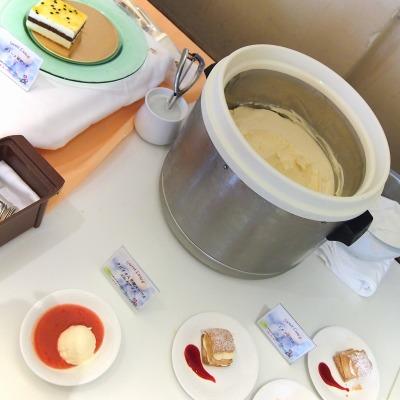 タピオカ入り苺スープとミルクアイス01@スイートランチ 2014年06月