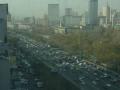ホテルの窓から車渋滞