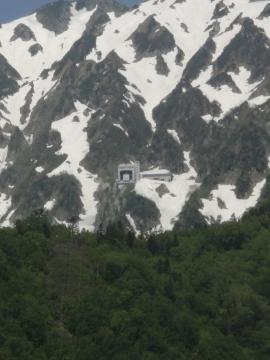 4 黒部ダム展望台から見た大観峰