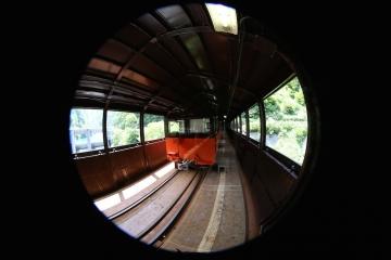 11 仙人谷鉄橋の上に停車