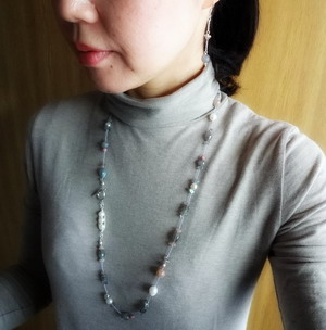 着用写真 french knot necklace