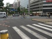 140621本町通り自転車横断