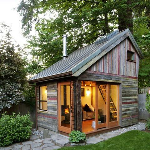 backyard-house-facade-square (1)