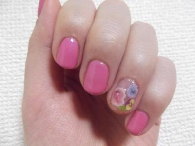 ピンクと花柄シールと。
