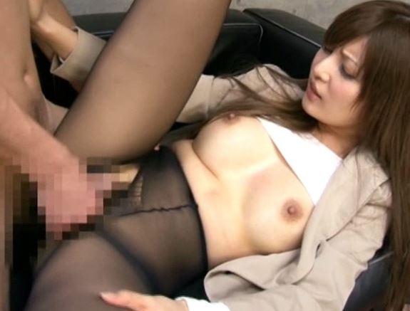 美人秘書が社長に強姦されパンスト着衣のまま中出しSEXの脚フェチDVD画像2