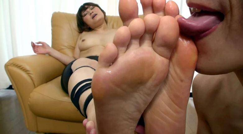 女が本気で感じまくるパンスト足愛撫 2の脚フェチDVD画像5