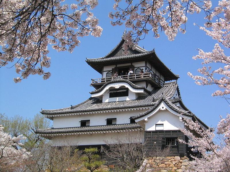 Castle_in_Inuyama[2]