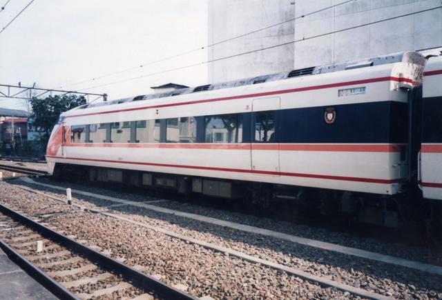 102-1f.jpg