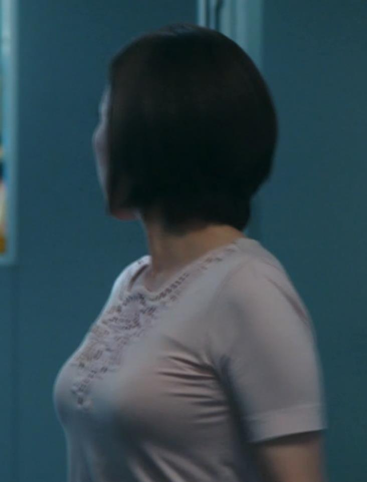 真矢みき 横乳キャプ・エロ画像