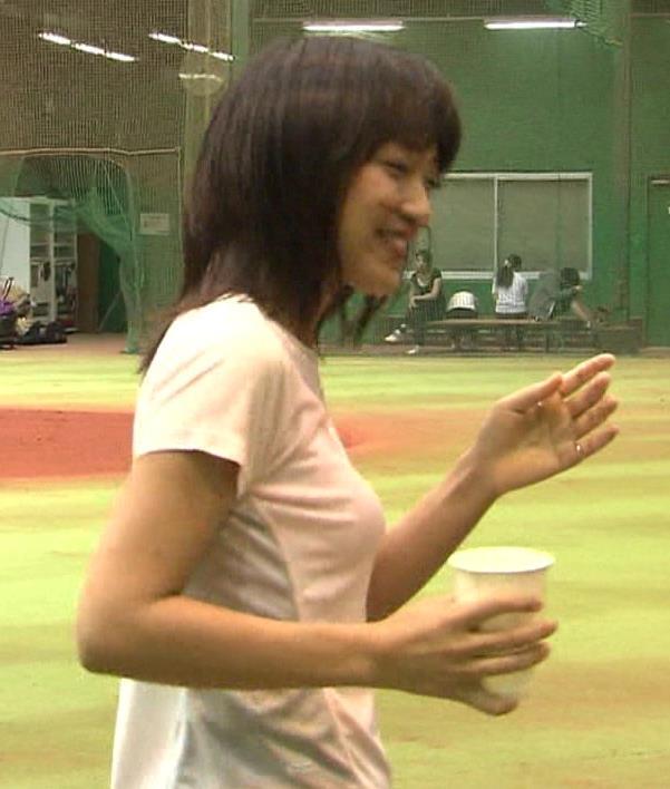 竹内由恵 Tシャツでとんがったおっぱいキャプ画像(エロ・アイコラ画像)