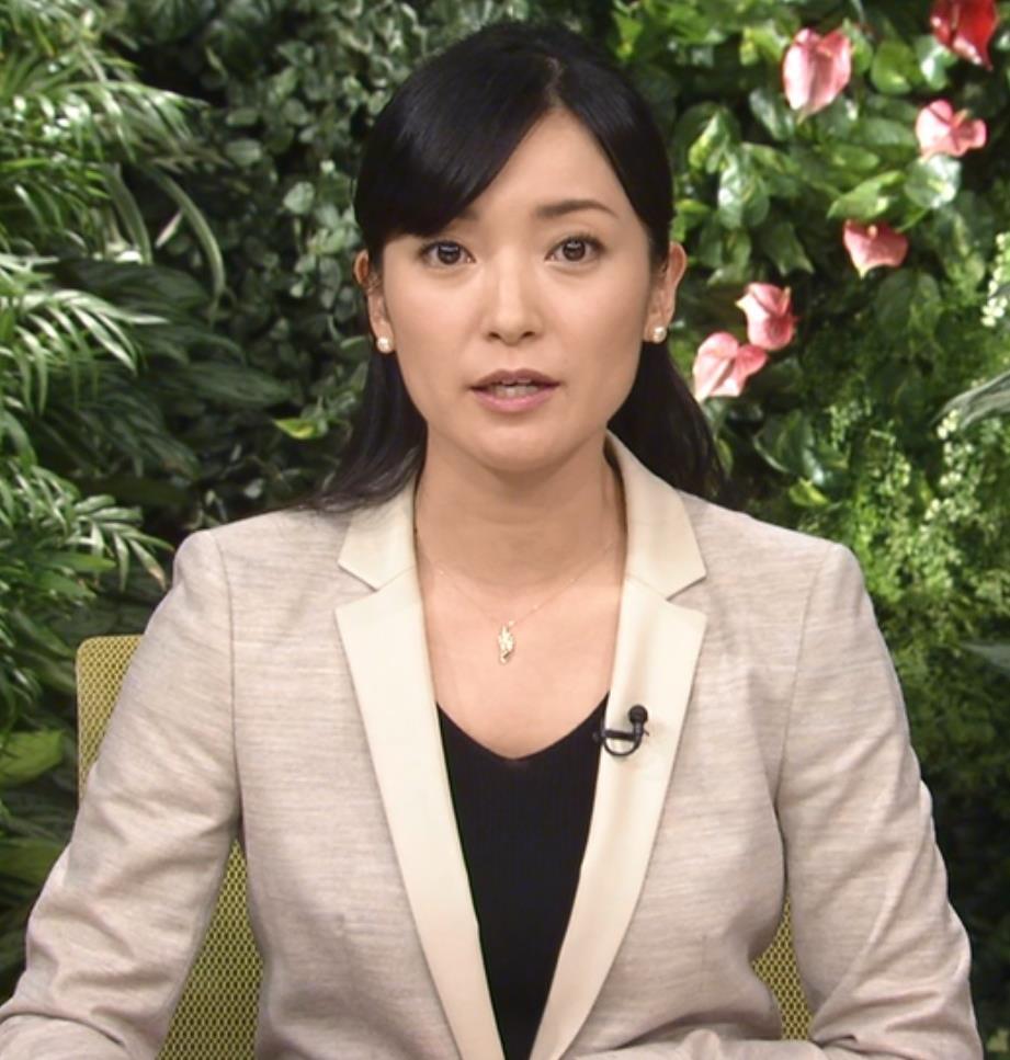大江麻理子 ミニスカートキャプ・エロ画像3