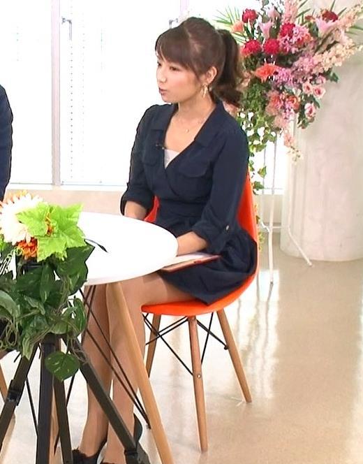 長野美郷 ミニスカ美脚&太ももチラリキャプ画像(エロ・アイコラ画像)