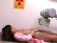 放射線技師2人がレントゲン時に女児にわいせつな行為をしていたことが判明